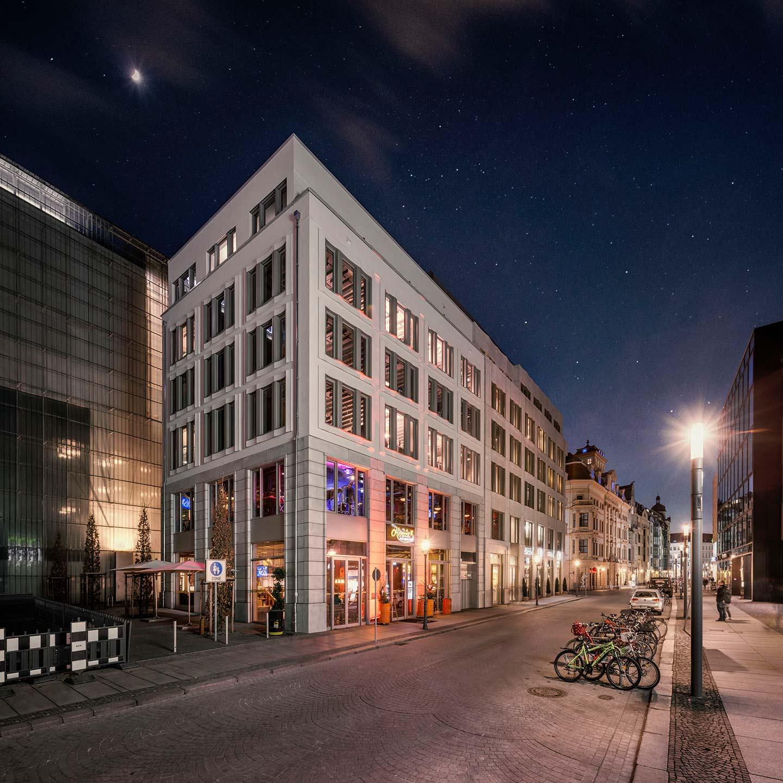 Bernsteincarré Museumsquartier bei Nacht KLM Architekten